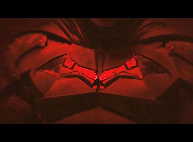 The-Batman-uniform-2