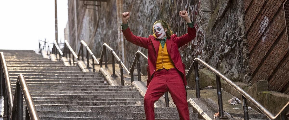 Joker, de Todd Phillips: dançando à beira do abismo | by Isabel Cristina  Mateus | Revista Caliban